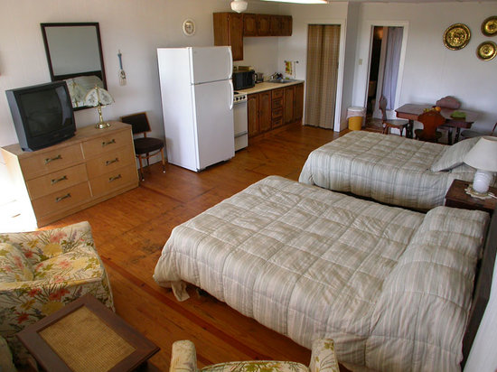 Seacoast Motel: Roomy, clean and comfortable