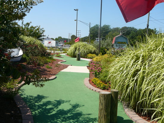 Millsboro, DE: Course at Long Neck Mini-Golf
