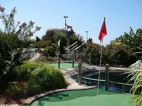 Long Neck Miniature Golf : Course with nice landscaping at Long Neck Mini-Golf