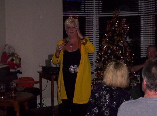 ذا كريمر جيست هاوس: Sue Denning live at The Craimar
