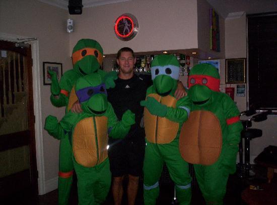 ذا كريمر جيست هاوس: Craig with the Teenage Mutant Ninja Turtles
