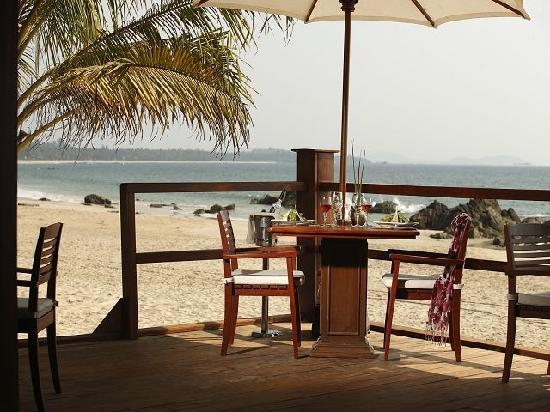 Bayview - The Beach Resort: Sunset Bar