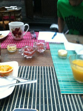Kellys Courtyard: breakfast