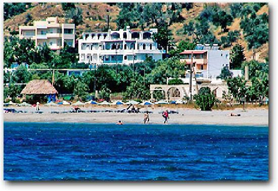 Hotel Lofos: Το ξενοδοχείο Λόφος από την θάλασσα