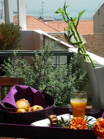 The House: Breakfast in the balcony