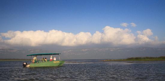 Shayamoya Tiger Fishing & Game Lodge: Boat cruise on Lake Jozini with Shayamoya Tiger Fishing and Game Lodge