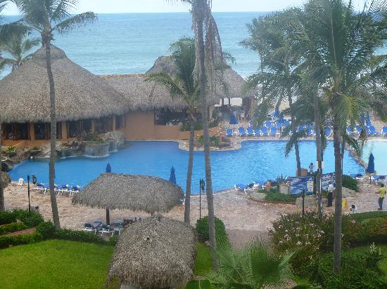 Torres Mazatlan Resort: Our view from the room.
