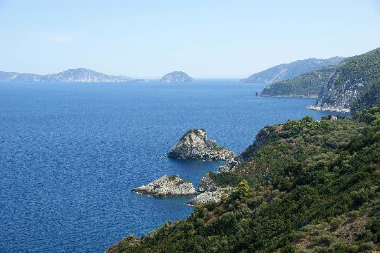 Skopelos, Grækenland: Linea costiera di Agios Ioannis