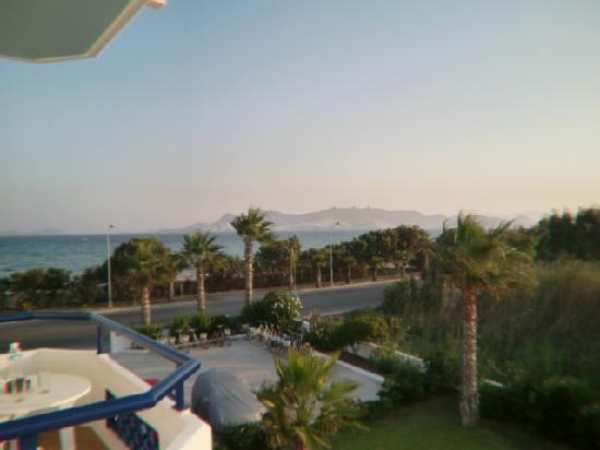 Apellis Hotel: utsikt från vår balkong