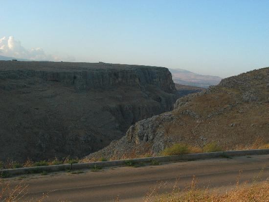 Arbel Holiday Homes: Trip to the cliff