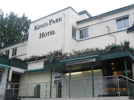 Kings Park Hotel: Front of hotel