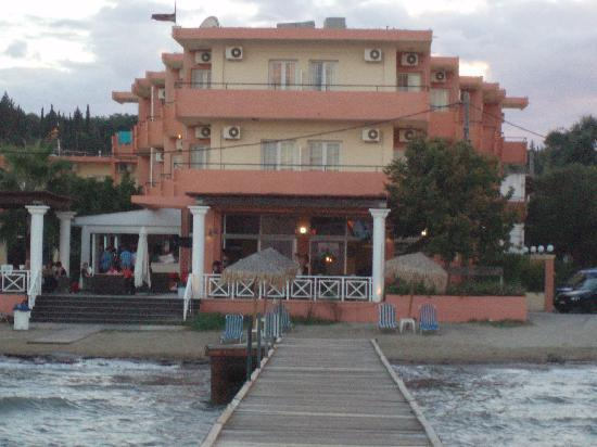 Quayside Hotel Kavos Reviews