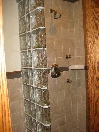 Huff Estates: a great shower!
