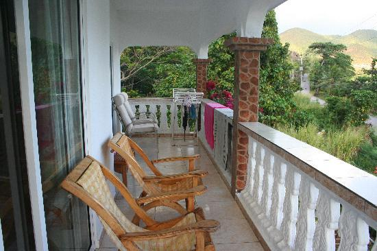 Ocean Bay Guest House: balcone vista baia