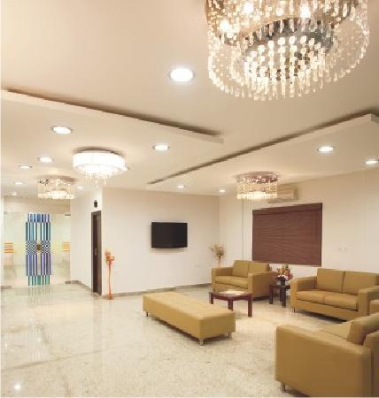OYO 435 Hotel Amshi International: LOBBY