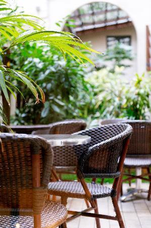 New Hotel Saint Lazare : Cour extérieure