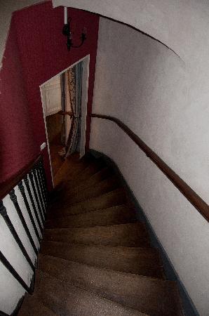 Clos de Glycines: Staircase