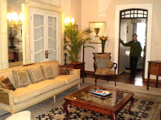 Mansion Alcazar Boutique Hotel: Suite -- Living Area