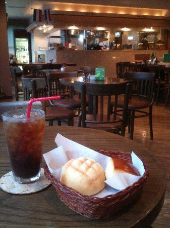 Chez BIGOT: ビゴの店 自慢のメロンパン