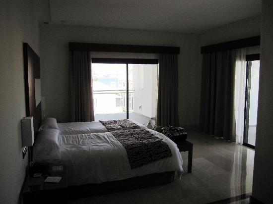 هوتل فويرت إستبونا: Dormitorio