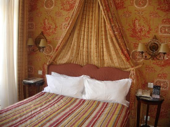 Hotel des Grands Hommes: Our bedroom