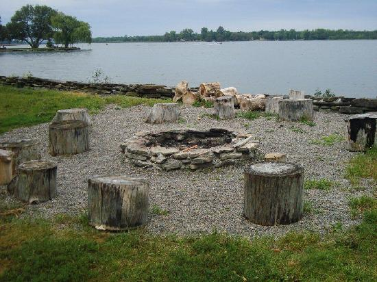 Arcanada Bed & Breakfast: Firepit