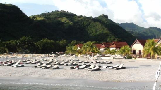 Buccament Bay Resort: Beautiful lush tropical island excellent sunset boat cruise arriving back to  Buccament Bay afte
