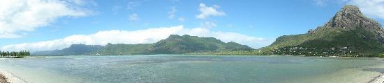 Paradis Beachcomber Golf Resort & Spa: The lagoon