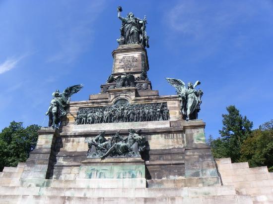 Ruedesheim am Rhein, Germania: Das Niederwalddenkmal.
