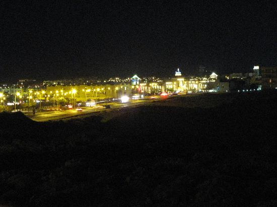 Magma Apartments - Hurghada Dream: Vista notturna