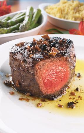 The Bistro @ The Doubletree Guest Suites Cincinnati - Blue Ash: Award Winning Signature Steaks