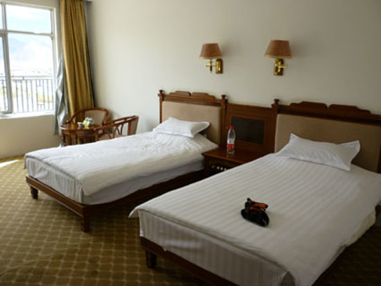 Tingri Bebar Hotel