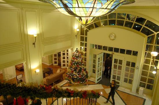 Sofitel Bogota Victoria Regia: Hall de entrada super charmoso, com uma vitória régia no teto LINDO!!