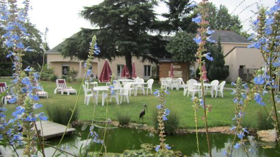 Auberge Bienvenue : Garden
