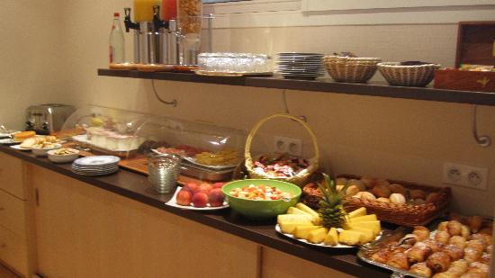 Auberge Bienvenue : Breakfast buffet