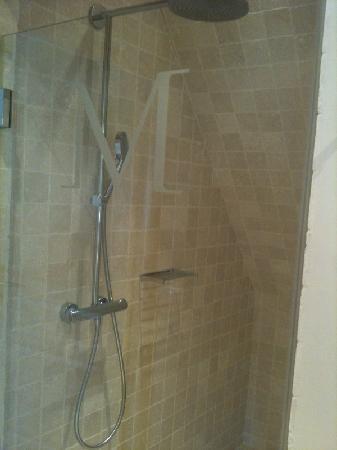 Les Manoirs de Tourgéville: douche à l'italienne