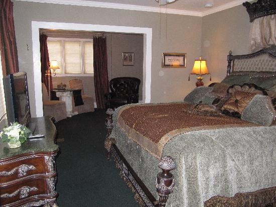 Inn on the Creek: Garden View Room