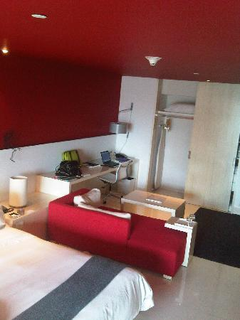 W Mexico City: Living space in room