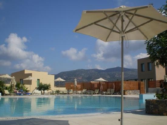 Hotel The Village Heights Golf Resort