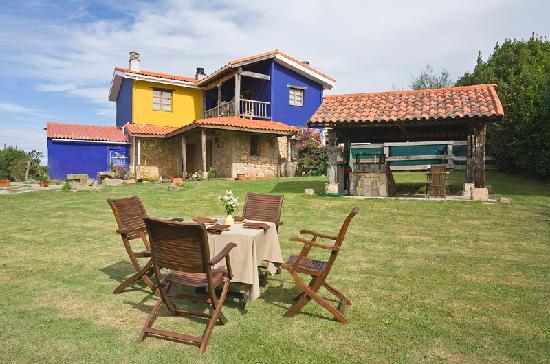 Quintana de la Eria: En el centro de Asturias, playas y acantilados