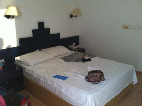 Green Peace Hotel: double bed