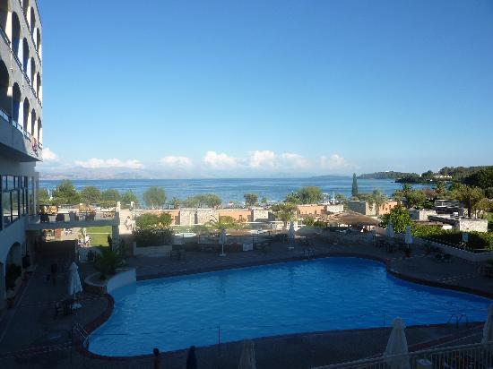 Corfu Chandris Hotel: view from our balcony of second pool