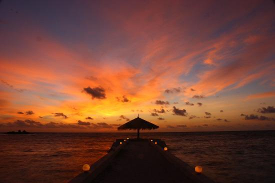 Adaaran Select Hudhuranfushi: one of many beautiful sunsets