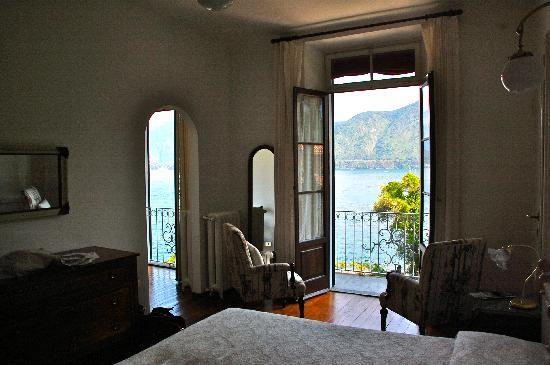 San Giorgio Hotel: The incredible view from our bed