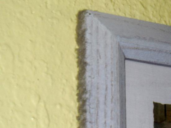 Villa Del Sol: dust accumulation on frames