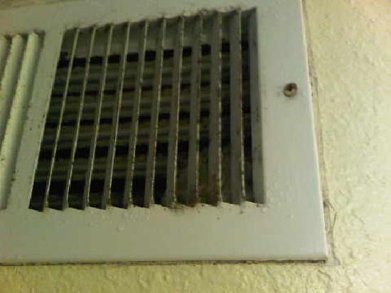 Villa Del Sol: more dust in vents