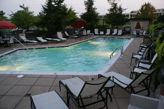 Hampton Inn Lancaster: Pool