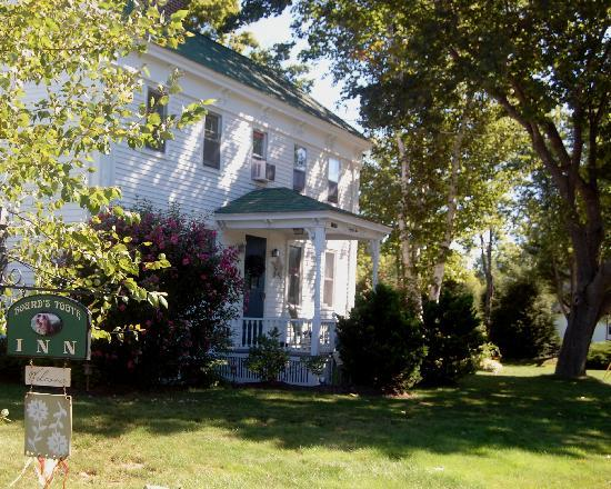 Hounds Tooth Inn: The property is beautifully restored and the area very scenic.