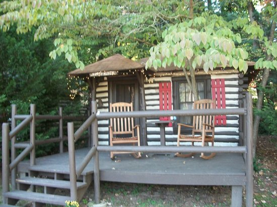 log cabin motor court asheville nc ranch reviews. Black Bedroom Furniture Sets. Home Design Ideas