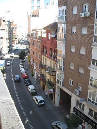 Cama enorme picture of ac hotel avenida de america for Hotel avenida de america madrid